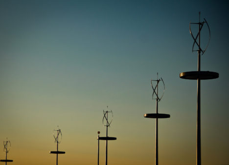 une ferme d'éoliennes verticales
